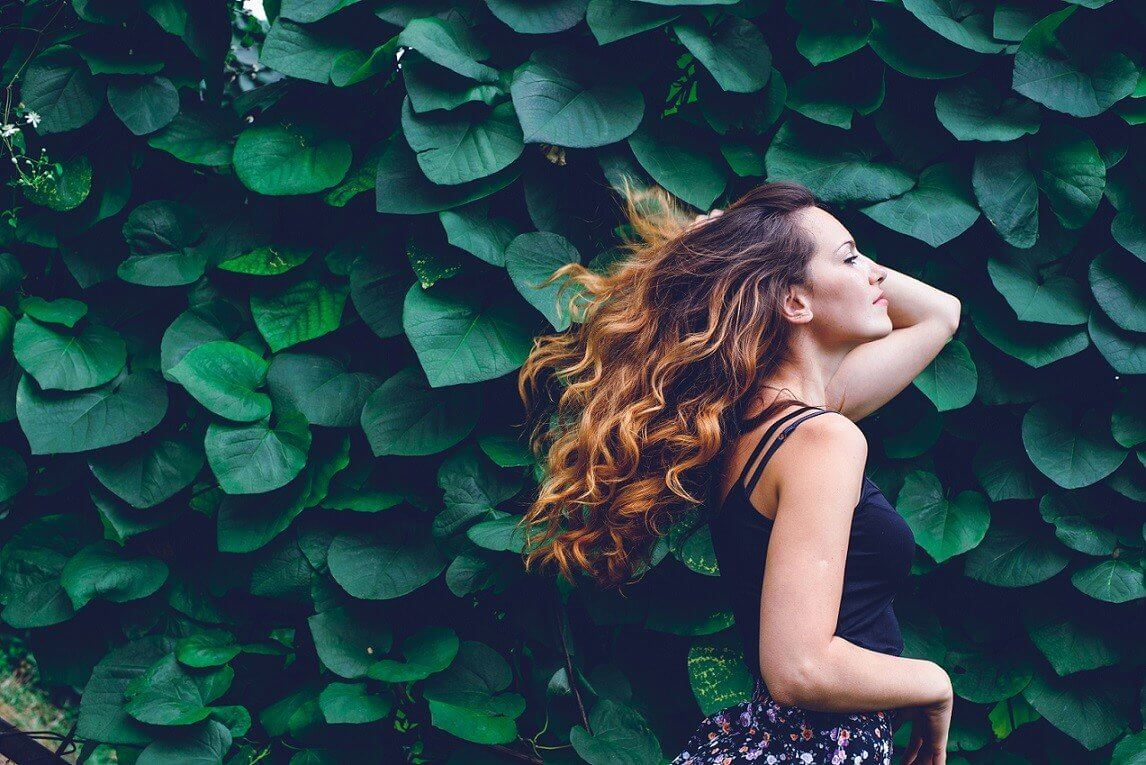 Włosy pod kontrolą, czyli jak dbać o włosy kręcone!
